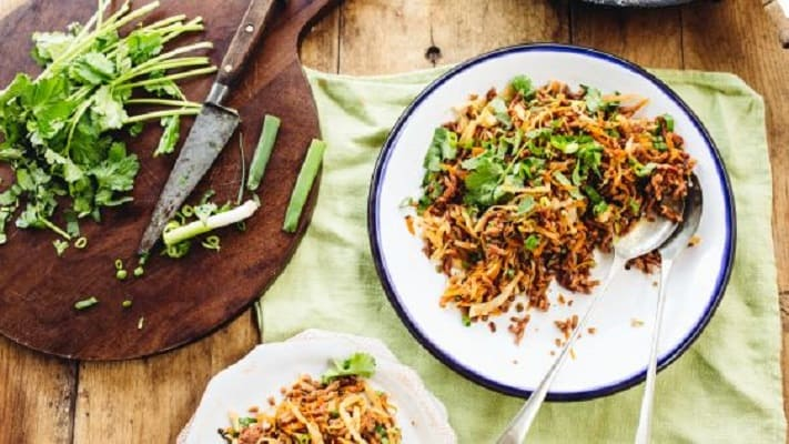 Low-carb ground beef slaw