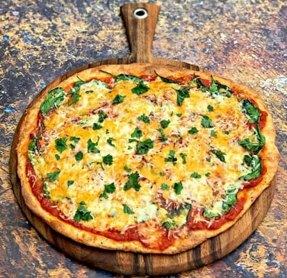 3 cheeses pizza